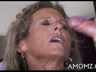 Mature goes wicked in a sex game   gamesmature