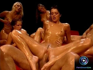 Hot chicks soaked in oil waiting for Rocco Siffredi to fuck them | chickoil