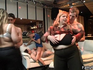 Plump chick gets fucked at party   chickpartyplump
