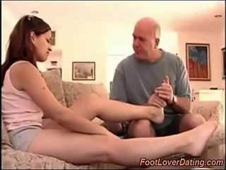 Girl with daddy issues and sexy feet | daddyfootgirlsexy