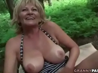 Busty Granny Gets Fucked In The Forest   bustypark