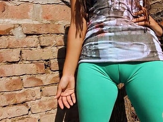Big Cameltoe Teen In Ultra Tight Leggins! Big Round Ass n Tits | cameltoeroundteentighttits