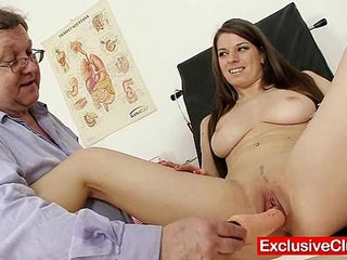 Mona Lee extreme pussy speculum gaping at gyno clinic   extremegapingnursepussy